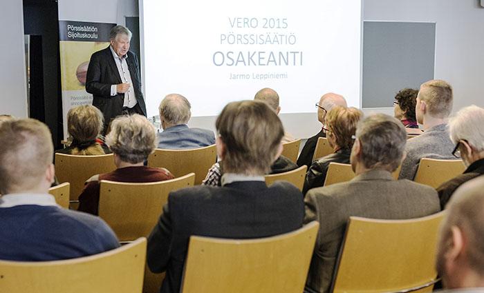 Pörssisäätiön Sijoituskoulu, puhumassa Jarmo Leppiniemi, Mar