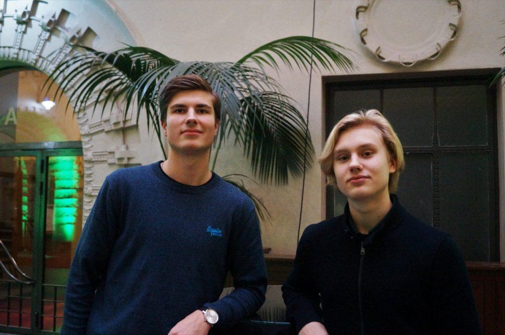 Lukiolaiset Joakim Sjöberg ja Eero Urho kertovat, miten he säästävät