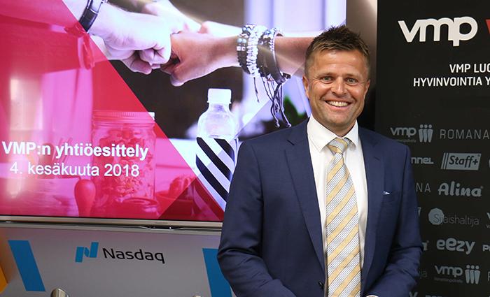 VMP:n toimitusjohtaja Juha Pesola yhtiön esittelytilaisuudessa